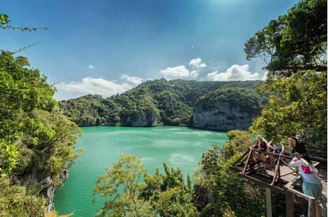 安通国家海洋公园由包括苏梅岛在内的42个小岛组成,为海洋自然保护