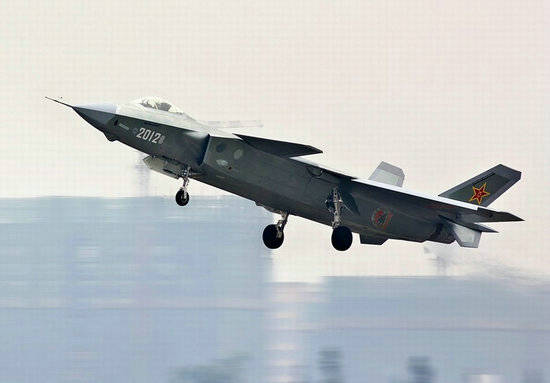 环球网图:网友拍摄到的歼-20试飞照。