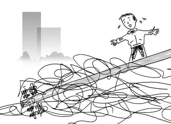 12米高的电线杆被撞倒高压线散落一地