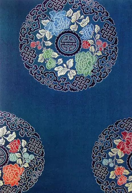 蜀锦的品种繁多,传统品种有雨丝锦,方方锦,铺地锦,散花锦,浣花锦,民族图片