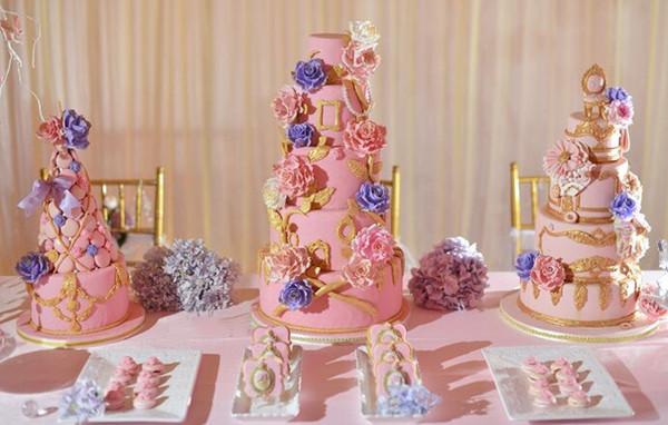 粉色婚礼蛋糕