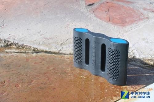 水中聆听美妙音乐 奇趣蓝牙防水音箱