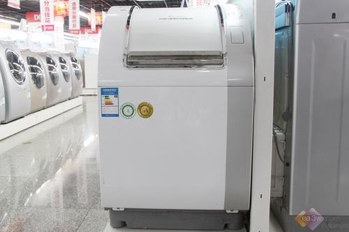 从设计上看,这款三洋XQG85-T1099BHX洗干机新颖的造型是这款三洋洗衣机最大卖点,独特的斜开门设计,让人眼前一亮,而且一改往日滚筒方向,横向放置滚筒。另外在洗涤容积方面,这款三洋洗衣机拥有8.5kg洗涤容积,能够满足用户大量的洗涤需求。
