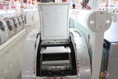 这款三洋XQG85-T1099BHX洗干机,独有的3重舱门设计,开仓简单易行,而且安全可靠。并且这款三洋洗衣机采用的BABY自救功能,即使是调皮的孩子跑到滚筒内捉迷藏,也可从里面的机械锁打开舱门。非常人性化。