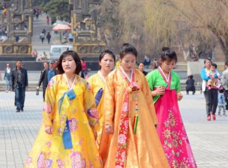 在吉林省吉林市北山风景区,来自北朝鲜的女留学生