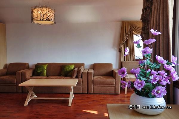 梯田酒店都是木制结构,内部装饰温馨