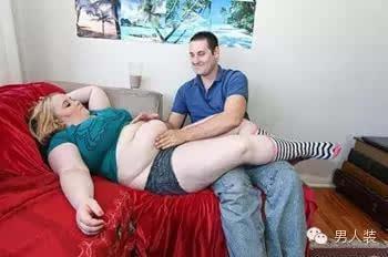 胖子人体体艺图片_手放在腰部的胖子人体摄影人体艺术照人体图