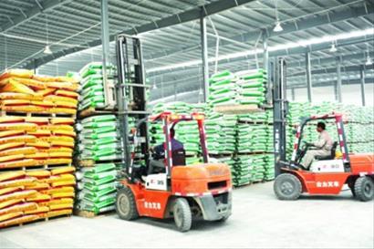 3.3万吨化肥保春耕