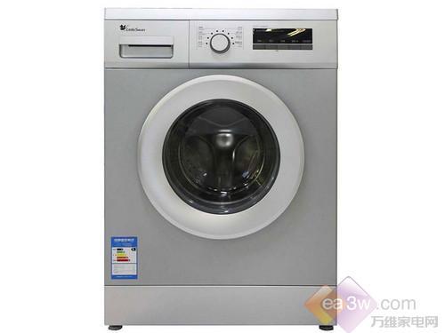 这款小天鹅TG70-1226E(S)洗衣机采用了传统的直线型设计,虽然看起来有棱有角,但却比较方便嵌入式安装。7KG的洗涤容量,非常适合普通家庭的使用。