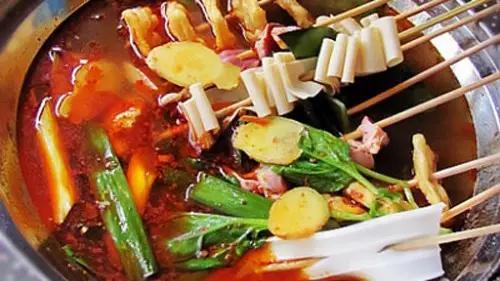 比饥饿感更惨的不知道去哪里吃!龙虾,串串,火锅,烧烤.约起!