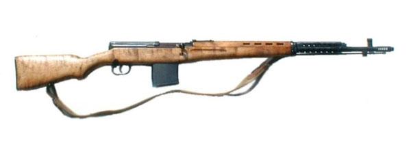 原文配图:二战苏SVT-40半自动步枪。