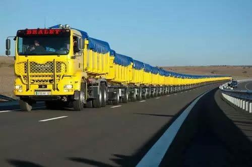 世界上最长的卡车 MILLAU卡车长800米(比火车长)