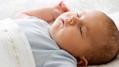 宝宝睡姿大盘点,聪明宝宝是睡出来的