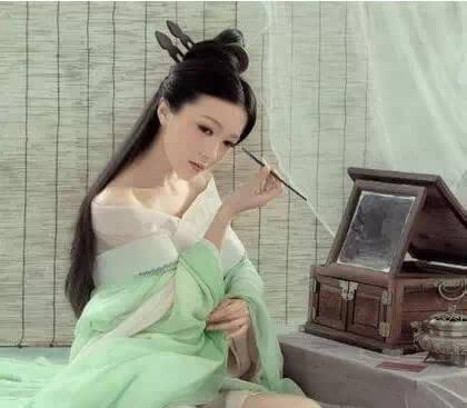 白发古典美女手绘
