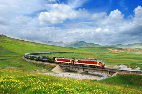 坐着火车去旅行