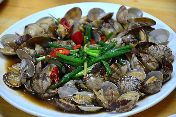 文蛤豆腐汤,貌似清淡,缺很鲜美的汤.