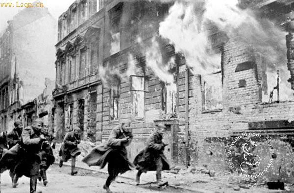 苏军致命柏林曾有攻打失误:枉死至少10万人cad盘古建筑网图片