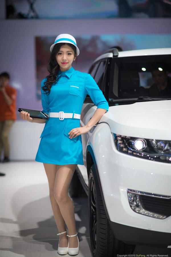 上海 车展 的香车和美女 高清图片