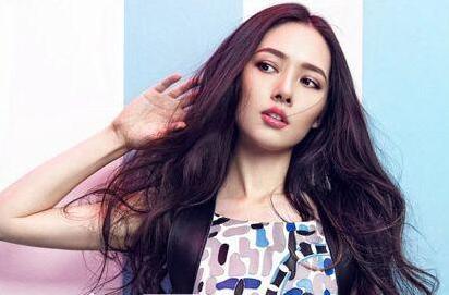 郭碧婷被爆同性恋出柜,壁花女神清纯长发发型盘点