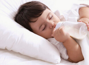 宝宝吃奶咳嗽怎么办