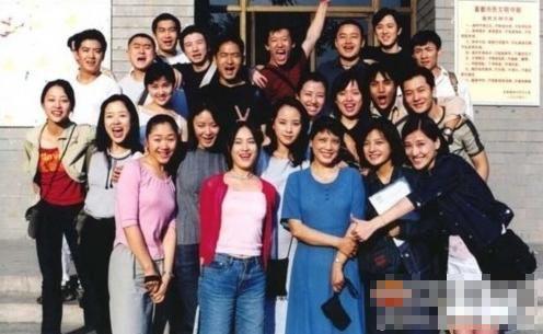 刘烨 赵薇 同学_不可思议的明星同班合影曝光 中戏96级最强大