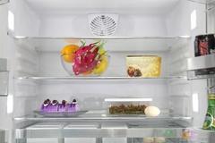 这款西门子冰箱添加了六个节能环保LED灯,将六个LED光源分别嵌入到冷藏室不用角落,使得整个冷藏室照明效果极佳,散射光源相比传统两个主光源更加温和不刺眼,用户在拿取食物方面也会方便自如。