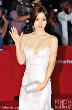 列席影戏节的韩星洪秀儿。(香港《新报》)