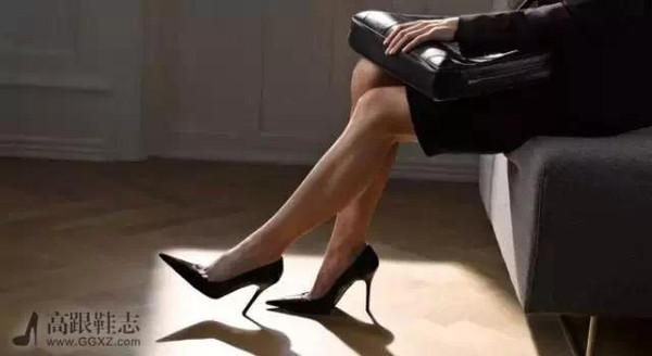 《超级名模生死斗》的评审j小姐建议,你可以用砂纸磨一磨高跟鞋的底部