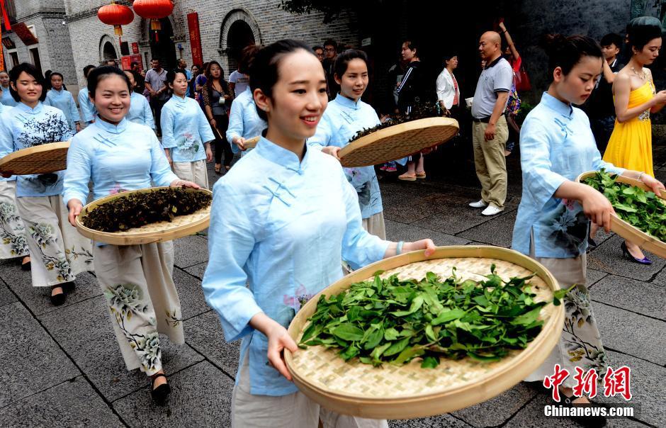 福州茶帮拜妈祖再现海丝枢纽文化(组图)