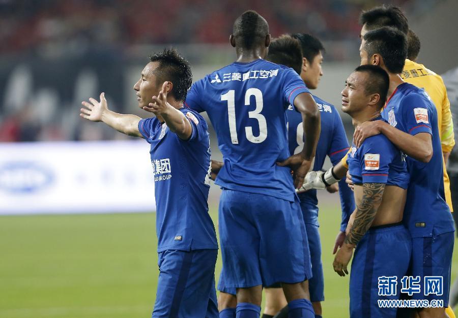 0战胜绿地申花,但全场比赛一支球队领到3张红牌的数据,也成为中国足球