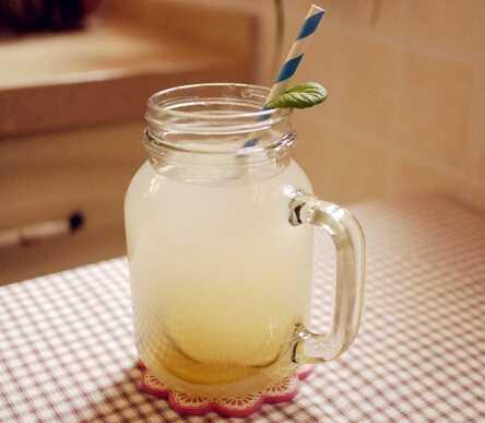 柠檬水的减肥喝法护肤瘦身两不误ppt图片瘦身2007图片