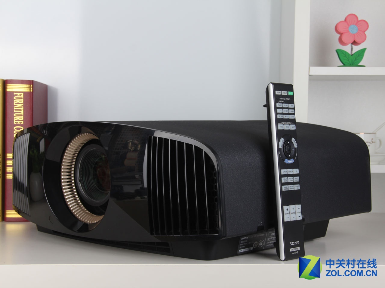 图为索尼VW500ES