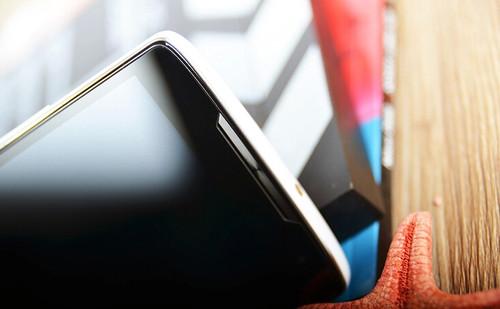 依旧挑战性价比,神舟4G手机X55