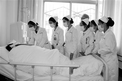 护士大片种子_颂天使之爱 展护士风采(图)