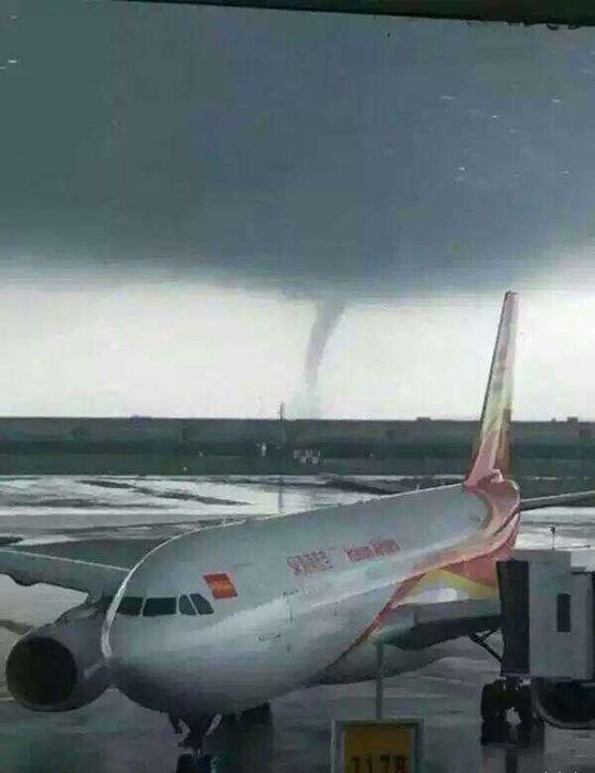 深圳机场突现龙卷风 部分航班出现不同程度延