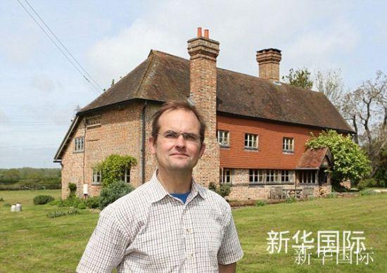 图为英国农场主罗伯特・沃斯利。图像来历:英国《逐日邮报》网