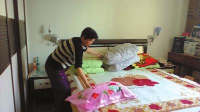 陈夏影从小爱睡大床,杨雪云特地给他预备了1.8米宽的大床。 京华时报记者张淑玲摄