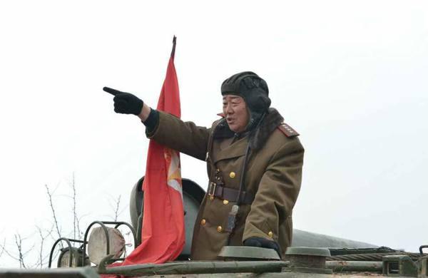 卫星拍到朝鲜高射炮处决犯人场面 专人观看图片