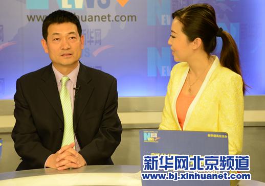 都城医科大学从属北京少年医院院长倪鑫在访谈现场。新华社北京频道发 骆璐摄