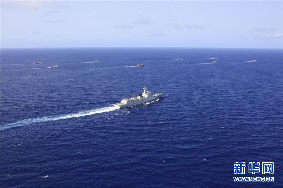 中国海军第二十批护航编队为8艘中国籍远洋渔船护航(组图)