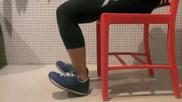 女生跑步怕小腿粗?快试试这几种按摩方法