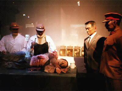日本一_日本一家博物馆展出日本二战期间活体解剖美国飞行员的罪证后,其中