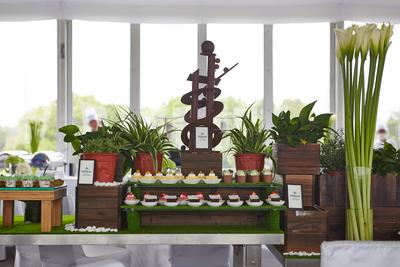 上海希尔顿酒店获得上海首张团体膳食外卖许可证