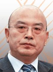 五矿集团董事长何文波何文波现年60岁,在上海宝钢集团工作30多年,于1982年加入宝钢集团,2010年4月起担任宝钢股份董事长。2014年8月份,何文波从宝钢集团空降到五矿集团担任总经理。
