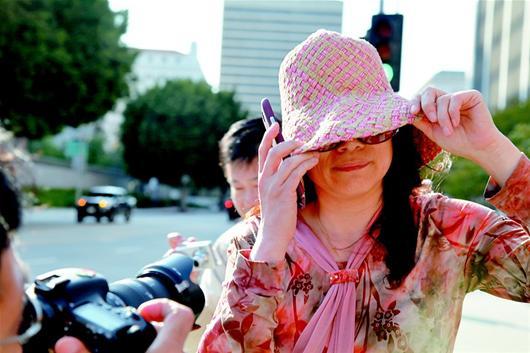 湖北日报讯 18日,外逃贪官乔建军的前妻赵世兰在加利福尼亚州中区联邦法庭首次出庭,表示不认罪。