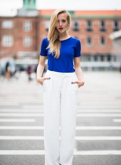 示范搭配:宝蓝色t恤 白色阔腿裤