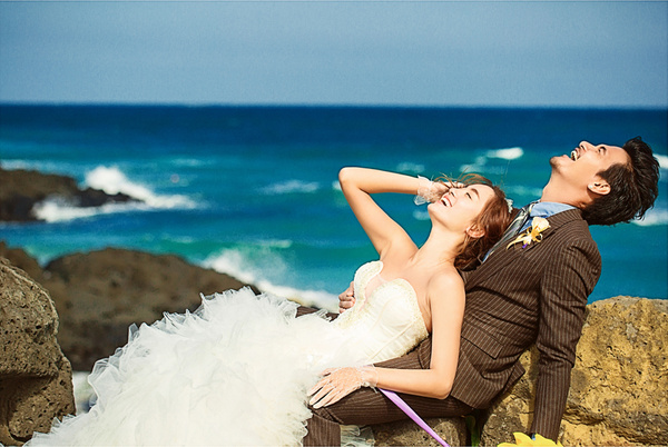 10大婚纱摄影姿势,轻松教你拍好婚纱照 !