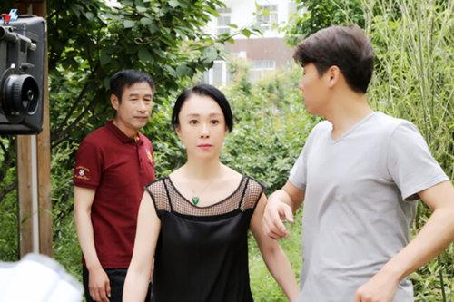 我让小姨子爱液横流_《我和我的小姨子们》傅艺伟陈思斯领衔时尚