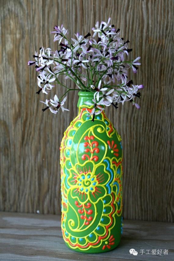 彩绘 在旧瓶子表面进行彩绘创作,瞬间就变成艺术品了 镶上各种玻璃和图片