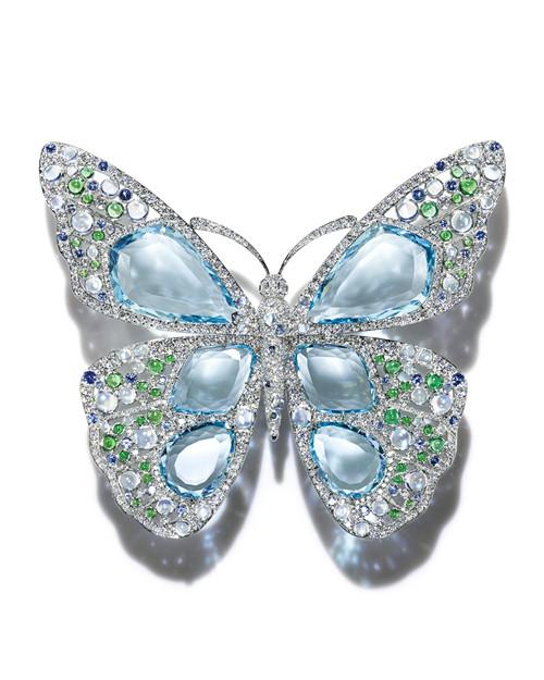 铂金镶嵌海蓝宝石、钻石及彩色宝石蝴蝶胸针,由蒂芙尼设计总监Francesca Amfitheatrof设计